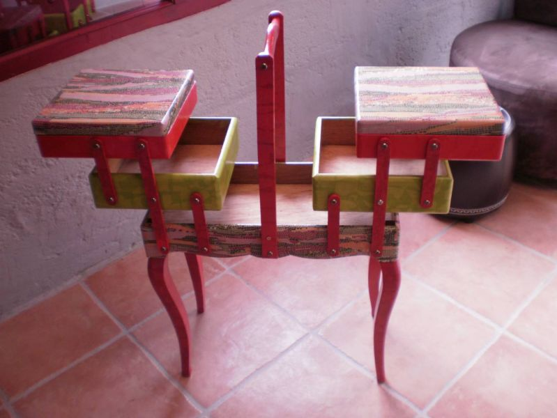 crea peinture travailleuse en bois. Black Bedroom Furniture Sets. Home Design Ideas